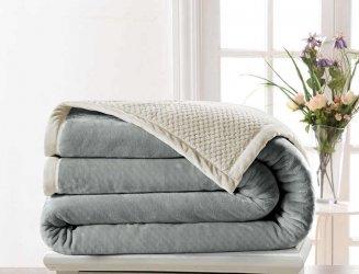 Одеяла, пледы, покрывала,подушки